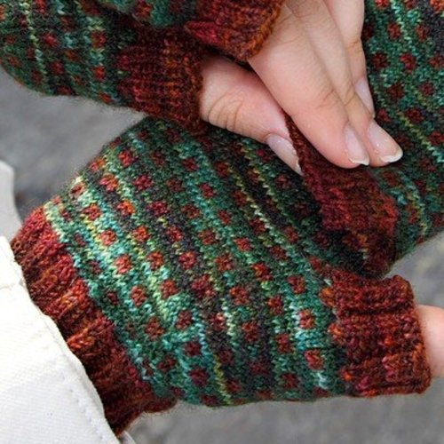 Valley Yarns 623 Rail Trail Mitts - Download (623)