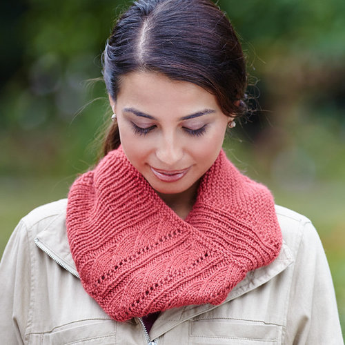 Valley Yarns 748 Norwich Cowl Kit - Persimmon (PERS)