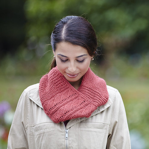 Valley Yarns 748 Norwich Cowl - Printed (748P)