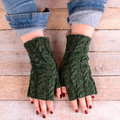 Valley Yarns 808 Duxbury Mitts Kit - Evergreen (01)