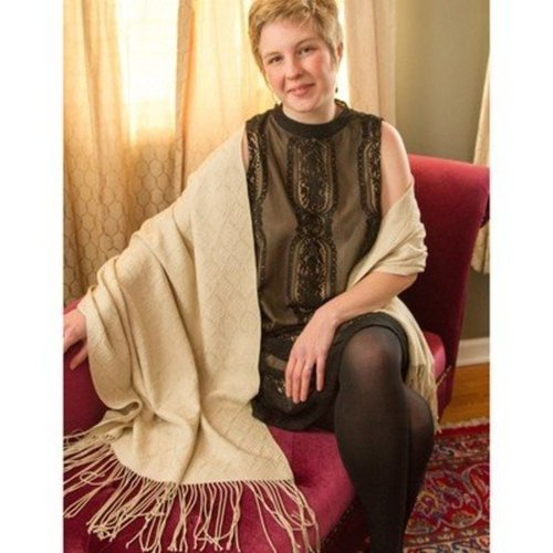 Valley Yarns #96 Champagne Celebration Shawl Kit - Beige (Model) (01)