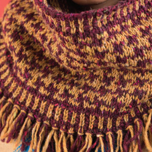 Vogue Knitting Hound's Tooth Cowl Kit - Model (01)