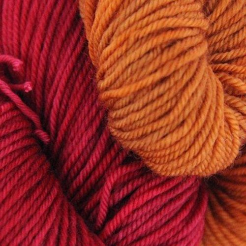 Wonderland Yarns Messenger Kit - Off With Her Red With Pennyworth (01)