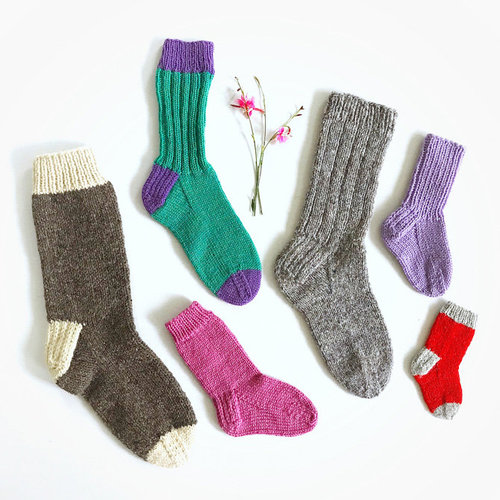 Yankee Knitter Designs 29 Classic Socks for the Family - Printed (29P)